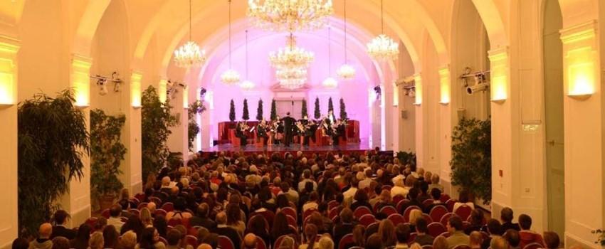Schloss-Schoenbrunn-Festival-Orchester-1_1_07.jpg