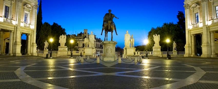Piazza_del_Campidoglio,_Rome_-_2522.jpg