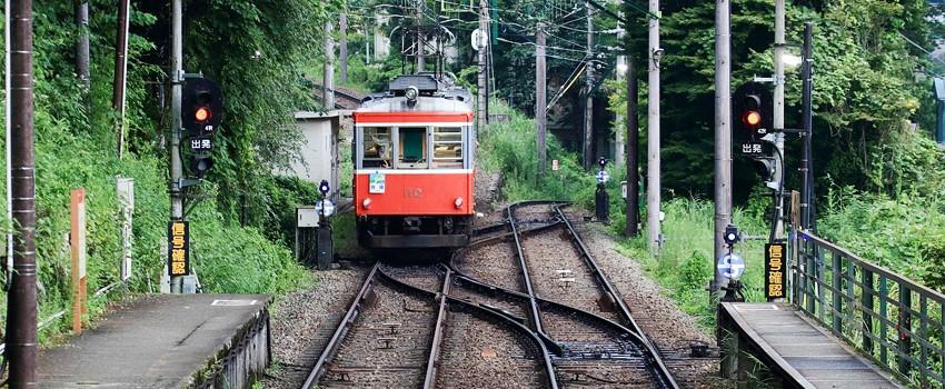 하코네 스위치백 열차-850.jpg